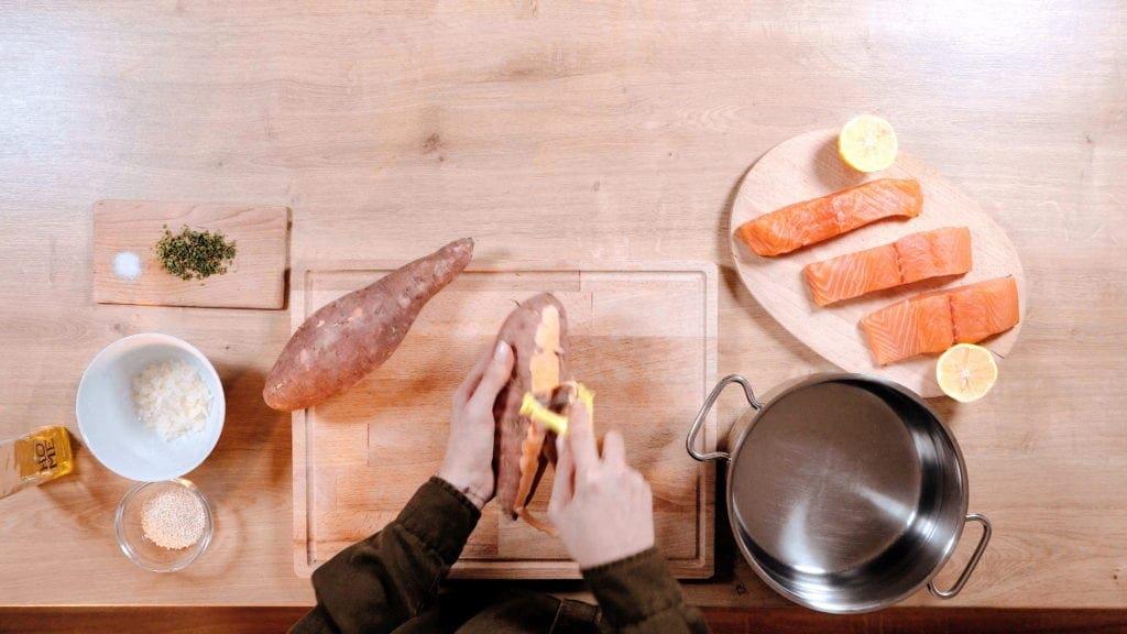 suroviny na prípravu lososa s batatovým pyré